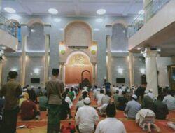 Meskipun Diterpa Pandemi dan Gempa Malang, Warga Tetap Antusias Tarawih di Masjid Jami' Gondanglegi