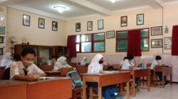 Ilustrasi ujian akhir sekolah bagi SMP di Kota Batu. (Foto: Sholeh/Tugu Jatim)