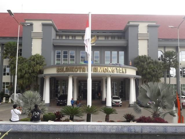 Balai Kota Among Tani Kota Batu. (Foto: Sholeh/Tugu Jatim) mcw penangnan covid-19