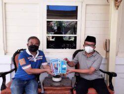 Bupati Banyumas Achmad Husein bersama Pakar Komunikasi Dr Aqua Dwipayana. (Foto: Dokumen)