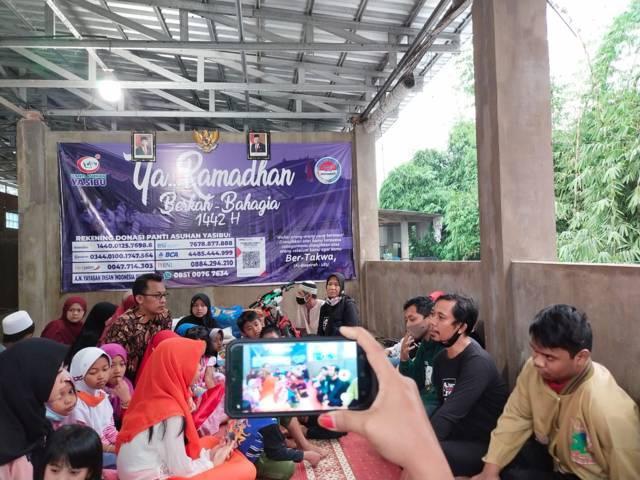 Acara ini dilakukan rutin setiap hari jumat oleh Tugu Media Group bersama anggota komunitas Difabel Creative Community (DC²). (Foto: Dokumen/Tugu Jatim)
