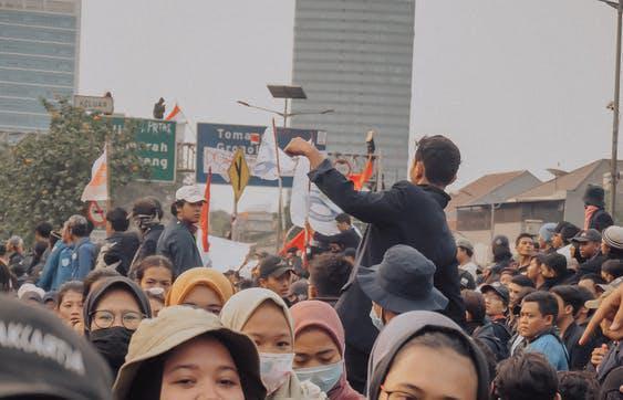 Ilustrasi demonstrasi oleh kelompok buruh. (FotoL Pexels)