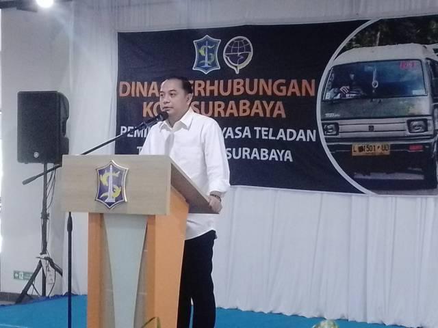Wali Kota Surabaya Eri Cahyadi memberikan sambutan di agenda Dinas Perhubungan (Dishub) Kota Surabaya dalam rangka pemilihan Adiyasa Teladan, Rabu (07/04/2021). (Foto: Rangga Aji/Tugu Jatim)
