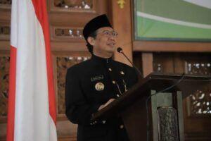 Bupati Tuban H. Fathul Huda saat memberikan sambutan di acara pelantikan pejabat eselon II. (Foto: Dok Humas Pemkab Tuban/Tugu Jatim)