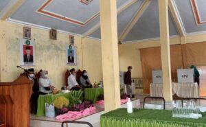 Persiapan panitia Pilkades 2021 di Desa Mlinjon, Kabupaten Trenggalek, sudah sangat matang. (Foto: Zamz/Tugu Jatim)