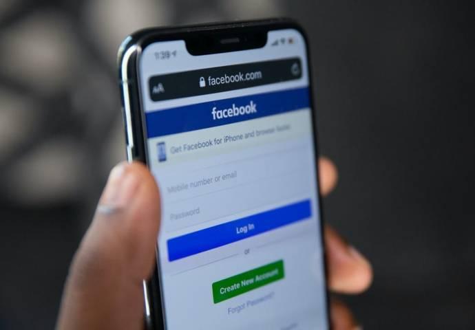 Ilustrasi layanan dan fitur baru dari Facebook terkait kenyamanan dan keamanan pengguna. (Foto: Unplash)