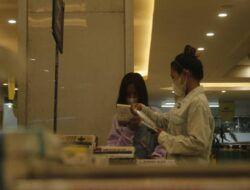 Dalam sehari, pameran buku di Kediri hanya mampu menjual 20-30 buku. (Foto: Rino Hayyu Setyo/Tugu Jatim)