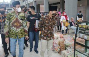 Jelang Bulan Suci Ramadan, Bupati Trenggalek Buka Aktivitas Pasar Pon