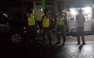 Patroli malam yang dilakukan rutin oleh jajaran Kodim 0819 Pasuruan bersama jajaran Polres Pasuruan maupun Polres Kota Pasuruan. (Foto: Dokumen/Kodim Pasuruan)