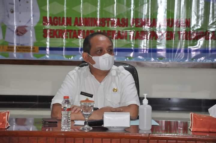 Sekretaris Daerah Kabupaten Trenggalek dalam membuka jaring aspirasi bersama pelaksana jasa kontruksi. (Foto: Dokumen/Pemkab Trenggalek)
