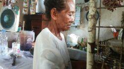 Yatemi (78), penjual kopi di Alun-alun Bojonegoro. (Foto: Mila Arinda/Tugu Jatim)