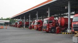 Ilustrasi truk tangki mil;ik Pertamina yang siap mendistribusi BBM selama bulan Ramadan. (Foto: Dokumen/Pertamina)