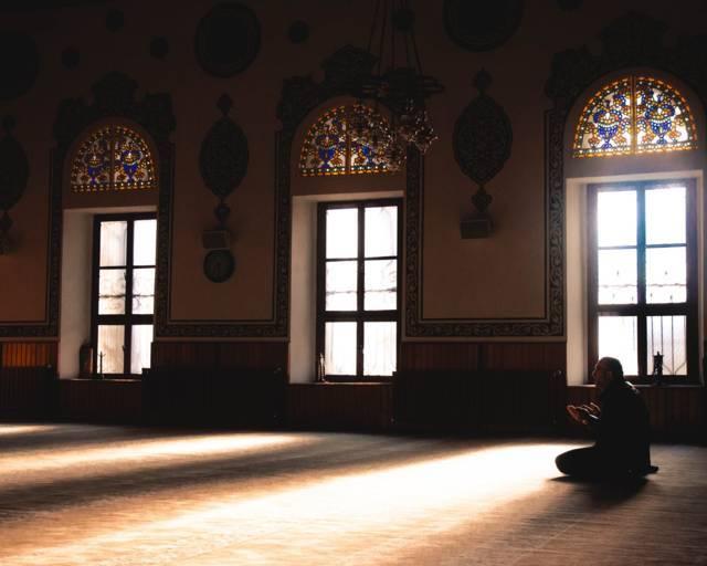 Ilustrasi berdoa di bulan Ramadhan. (Foto: Pexels/Tugu Jatim)