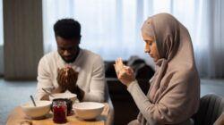 Ilustrasi ibadah puasa di bulan Ramadhan. (Foto: Pexels) manfaat puasa untuk kesehatan