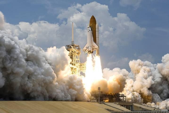 Ilustrasi NASA ketika meluncurkann roket ke luar angkasa. (Foto: Pixabay)