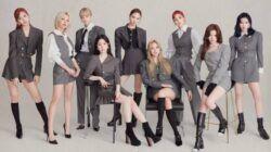Girl group naungan JYP Entertainment, TWICE dipastikan bakal kembali ke panggung dunia hiburan bulan Juni 2021 mendatang. (Foto: Twitter/@JYPETWICE)