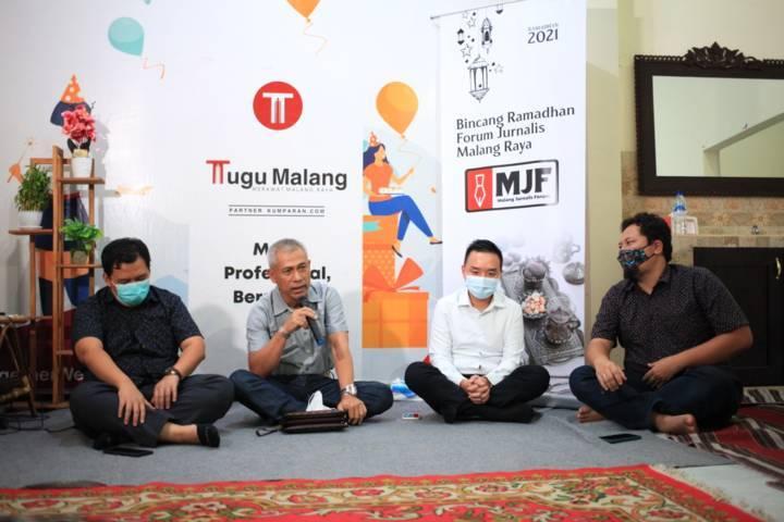 Sesi ke-5 Bincang Ramadhan Forum Jurnalis Malang Raya yang digagas Malang Jurnalis Forum (MJF) di Kantor Tugu Media Group Jalan Dirgantara A-1/12B, Kota Malang, Jumat (30/04/2021). (Foto: Dani Kristian/Tugu Jatim)