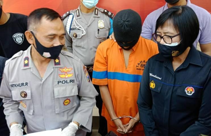 Tersangka penyekap, perampok, dan pemerkosa, Irwan Yulianto, warga asal Pakisaji, Kabupaten Malang. (Foto: Azmy/Tugu Jatim)