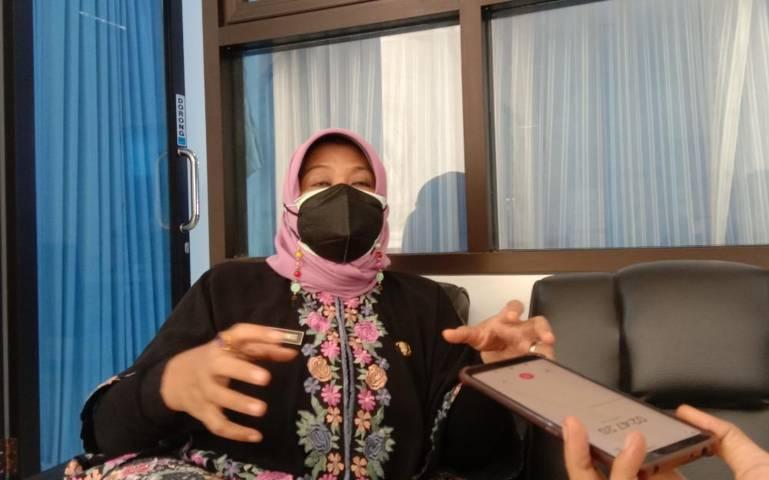 Kepala Dinas Sosial Perlindungan Perempuan dan Anak Kabupaten Trenggalek Ratna Sulistyowati. (Foto: Zamzuri/Tugu Jatim)