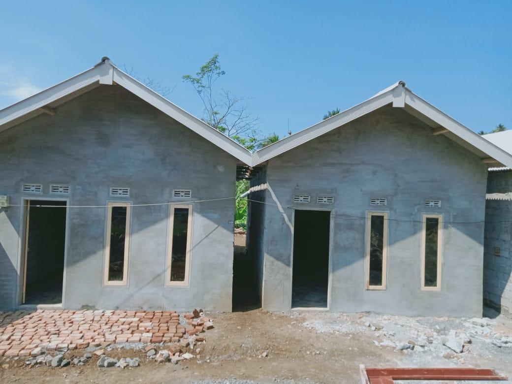 Rumah baru untuk korban gempa Malang yang sudah rampung dibangun, tapi warga belum bisa menempatinya hingga Agustus 2021. (Foto: Rap/Tugu Jatim)