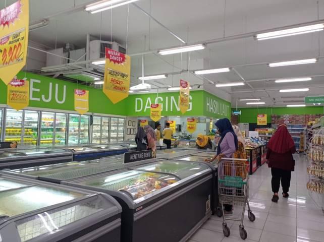 Giant Bojonegoro adakan diskon 70% sebelum tutup pada Juli 2021. (Foto: Mila Arinda/Tugu Jatim)