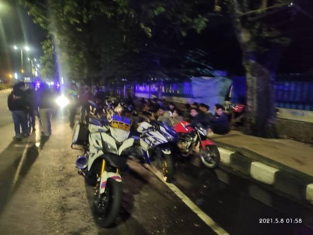 Para pembalap liar di Kota Malang. (Foto:Satlantas Polresta Malang Kota/Tugu Jatim)