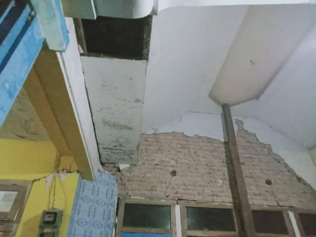 Kondisi bangunan di Dampit semakin parah. (Foto: Rap/Tugu Jatim)