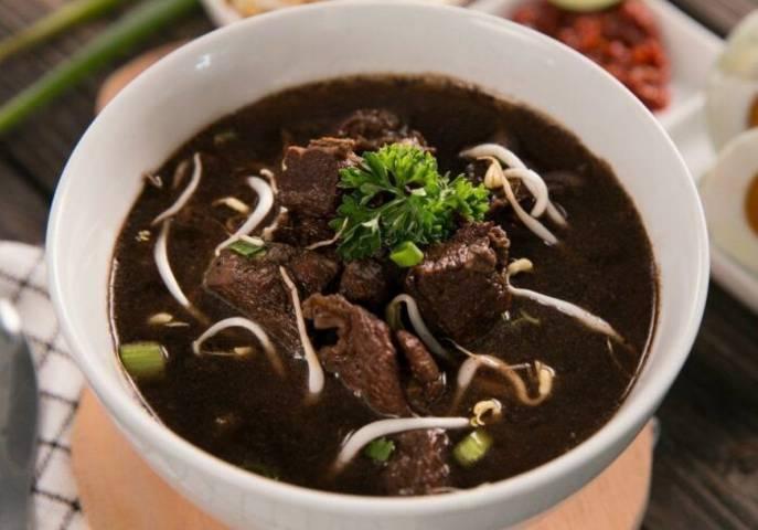 Kuliner rawon khas Jawa Timur. (Foto: Pinterest/Tugu Jatim)