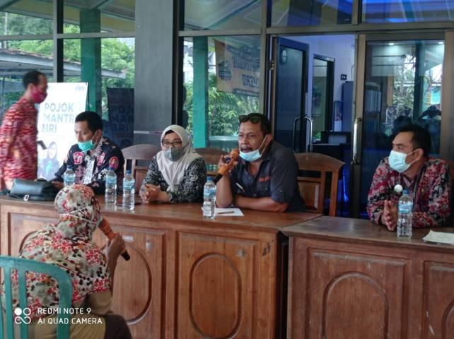 Kepala Bidang Penanganan Fakir Miskin Dinsos Provinsi Jatim Sapto mengklarifikasi soal KPM yang menerima bantuan kurang bagus kualitasnya. (Foto: Dokumen/Tugu Jatim)