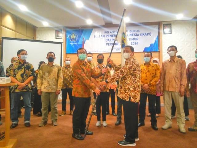 Pelantikan pengurus IKAPI Jatim periode 2021-2026 di Hotel Inna Tunjungan Surabaya, Sabtu (22/05/2021).(Foto: Reni Novitasari/Tugu Jatim)
