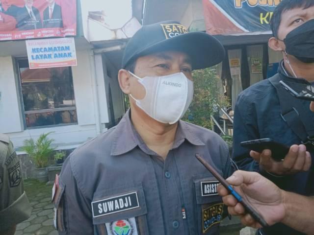Suwadji selaku Plt Asiten 1 Sekretaris Daerah (Sekda) Kabupaten Malang saat memimpin apel penertiban Lokalisasi Girun pada Sabtu (08/05/2021). (Foto: Rap/Tugu Jatim)