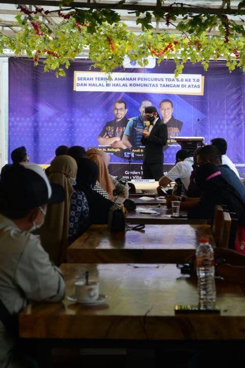 Meski digelar di tengah pandemi, acara serah terima amanah TDA 6.0 ke 7.0 di Semarang tetap menjalankan prokes. (Foto: Dokumen/Tugu Jatim)