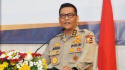 Kadiv Humas Polri, Irjen Argo Yuwono menyampaikan, penyekatan kendaraan mampu menekan jumlah kendaraan dari Jakarta keluar menuju Jawa Barat, Jawa Tengah dan Jawa Timur, Jumat (07/05/2021). (Foto: Dokumen/Polri)