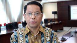 Dirjen Bimas Islam Kamaruddin saat menjelaskan pelaksanaan sidang isbat. (Foto: YouTube Kemenag/Tugu Jatim)