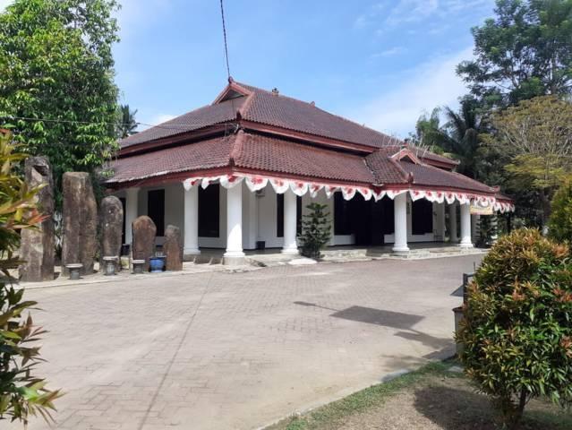 Bangunan eks kawedanan Panggul, bakal jadi situs cagar budaya. (Foto: Zamz/Tugu Jatim)