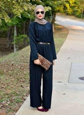 Winter Hijab Streets Style by Leena Asaad. (Foto: Pinterest/Tugu Jatim)