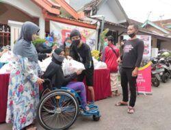 Tugu Media Group dan Komunitas DC² Bagi Bingkisan Lebaran kepada 100 Difabel di Malang