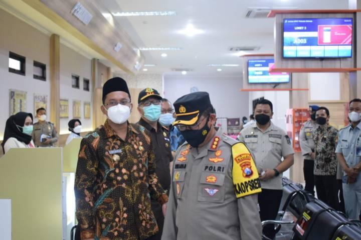 Kapolresta Sidoarjo Komisaris Besar Polisi Sumardji dalam acara peluncuran Mall Mini Pelayanan Polri. (Foto:Polrestabes Surabaya/Tugu Jatim)