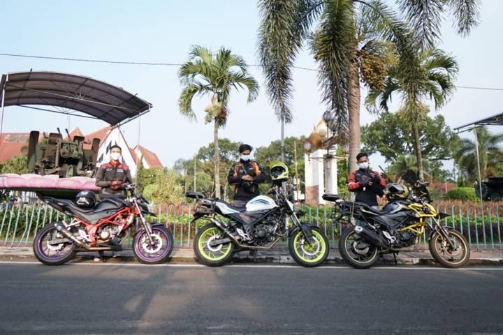 Komunitas Honda CB150R Malang menggelar kopdar dan riding bareng ke tempat-tempat ikonik di Kota Malang, Minggu (1/5/2021). (Foto: MPM Honda Motor)