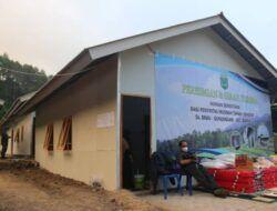 Resmikan Huntara di Dusun Brau, Wali Kota Batu Harap Korban Longsor Mau Menempati