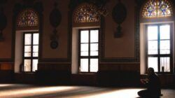 Iktikaf di 10 Hari Terakhir Ramadhan, Berikut Pengertian dan Caranya