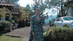 Nissa Sabyan dalam video klip lagu berjudul Idul Fitri. (Foto: YouTube/Sabyan)