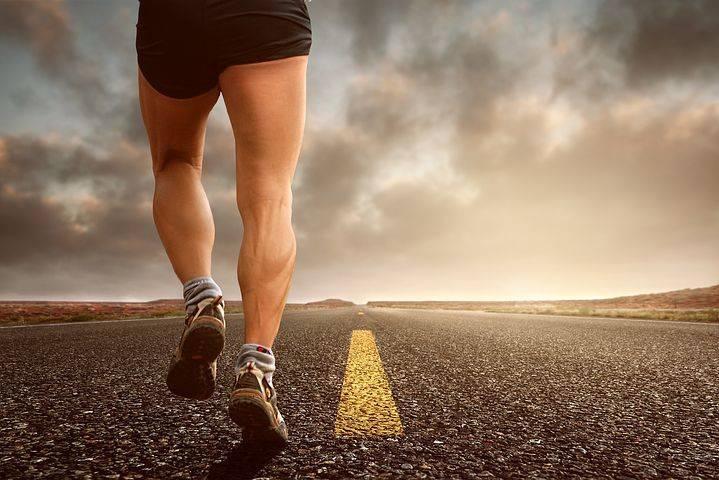 Belari ringan atau jogging ringan merupakan salah satu olahraga yang direkomendasikan bagi Anda yang memiliki penyakit jantung. (Foto; Pixabay)