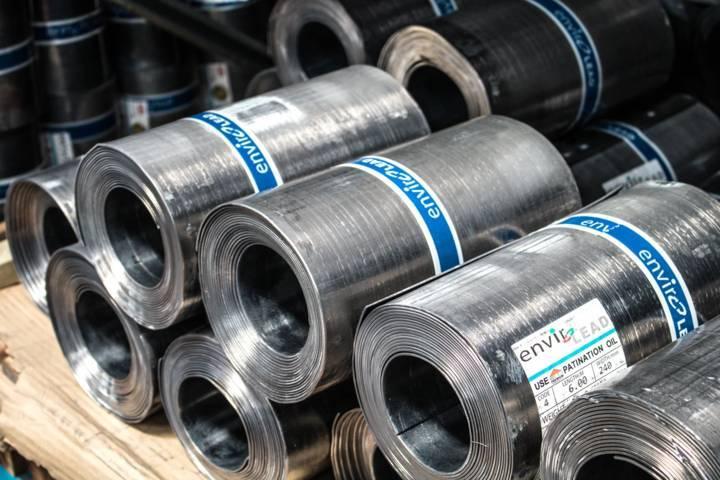 Ilustrasi industri baja Indonesia yang lolos safeguard dan semakin kompetitif di pasar ekspor dunia. (Foto: Unsplash)