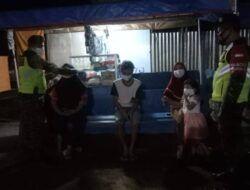 Babinsa Koramil 0819/23 Sukorejo Gelar Operasi Protokol Kesehatan Malam Hari