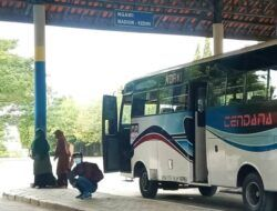 Cerita Sopir Bus di Terminal Rajekwesi Bojonegoro yang Pantang Mundur meski Sepi Penumpang