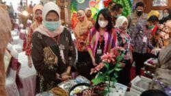 Forkopimda Kota Batu saat mengunjungi pameran UMKM di Lippo Plaza Kota Batu. (Foto: M Sholeh/Tugu Jatim)