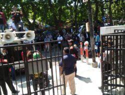 Geruduk Kantor Cabang BPJS Kesehatan, FSPMI Surabaya: Jangan Kebiri Hak Para Buruh