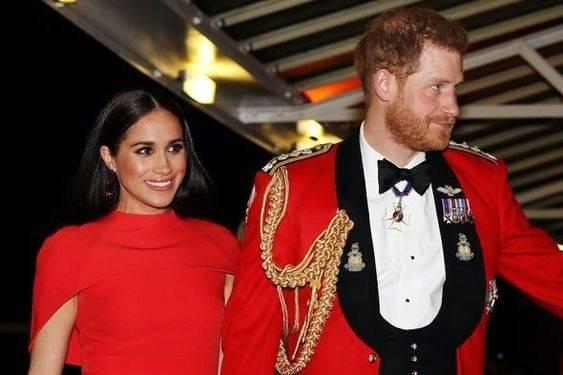 Meghan Markle and Prince Harry. (Foto: Pinterest/Tugu Jatim)