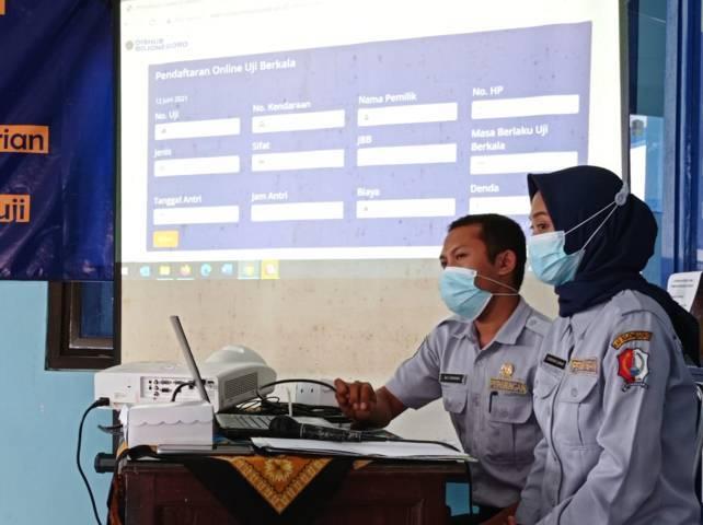 Sistem SUKIRNO di Dinas Perhubungan Bojonegoro mempermudah warga mengurus uji KIR. (Foto: Mila Arinda/Tugu Jatim)